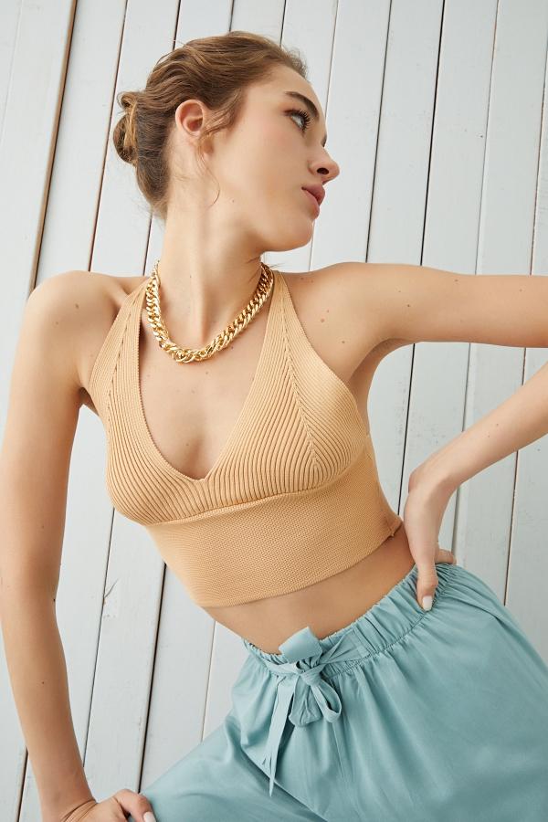 Siyah Sırt Dekolte Detaylı Bluz
