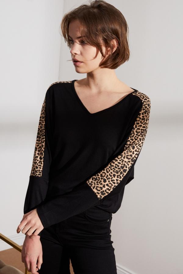 Kadın Siyah Kolları Leopar Detaylı Bluz