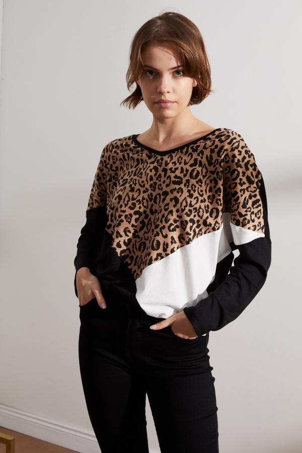 Kadın Siyah-Beyaz Leopar Parçalı Bluz