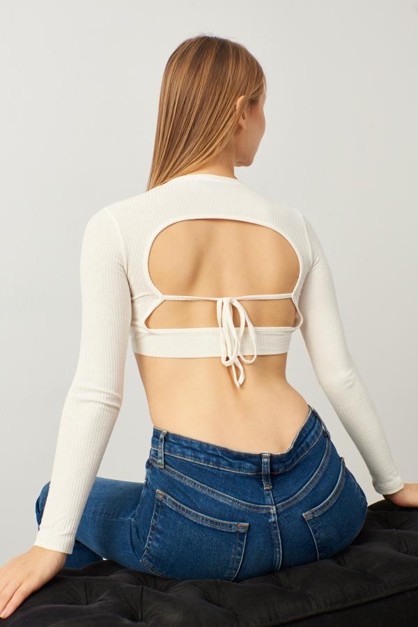 Kadın Beyaz Sırt Dekolteli Uzun Kol Crop Bluz