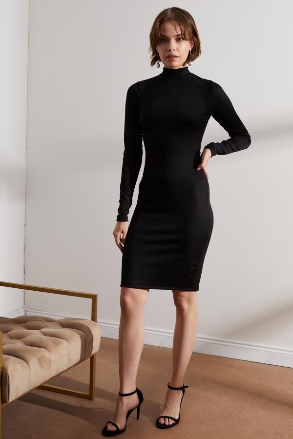 Kadın Siyah Sırt Dekolteli Elbise