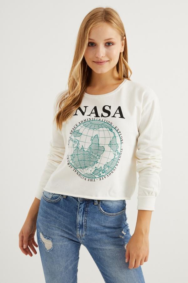 Kadın Beyaz Nasa Baskılı Sweatshirt
